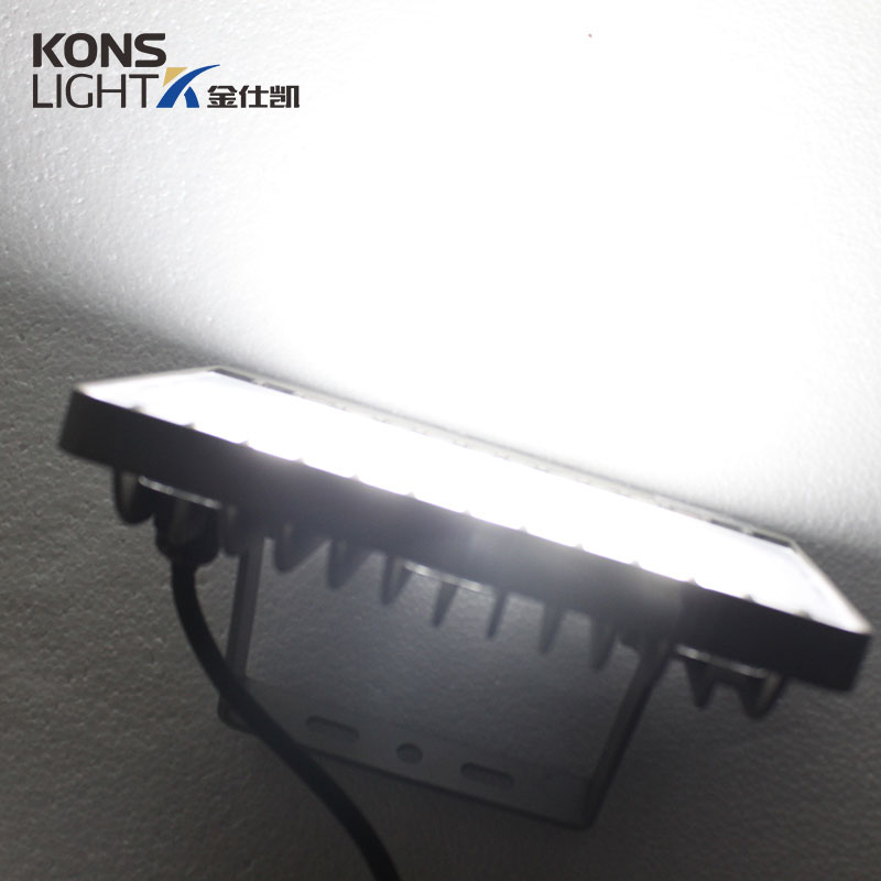LED SMD Flood Light 30W/50W 3000K-5700K UV resistance, dust proof IP65 Waterproof