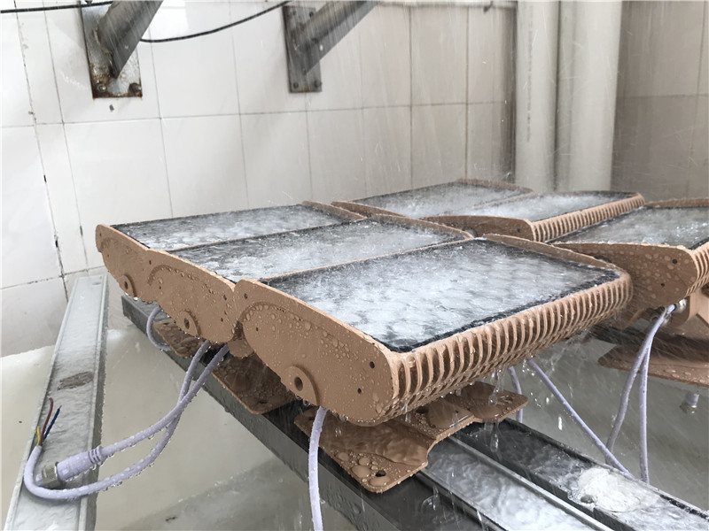 Waterproof test-36W Flood light