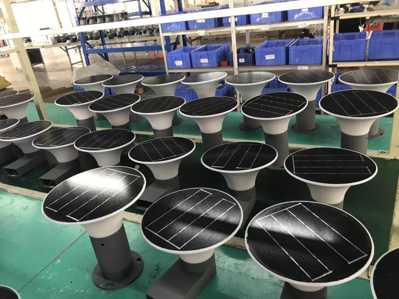 5W LED Solar Lawn Light 3000K/6000K 267mm inner switch IP65